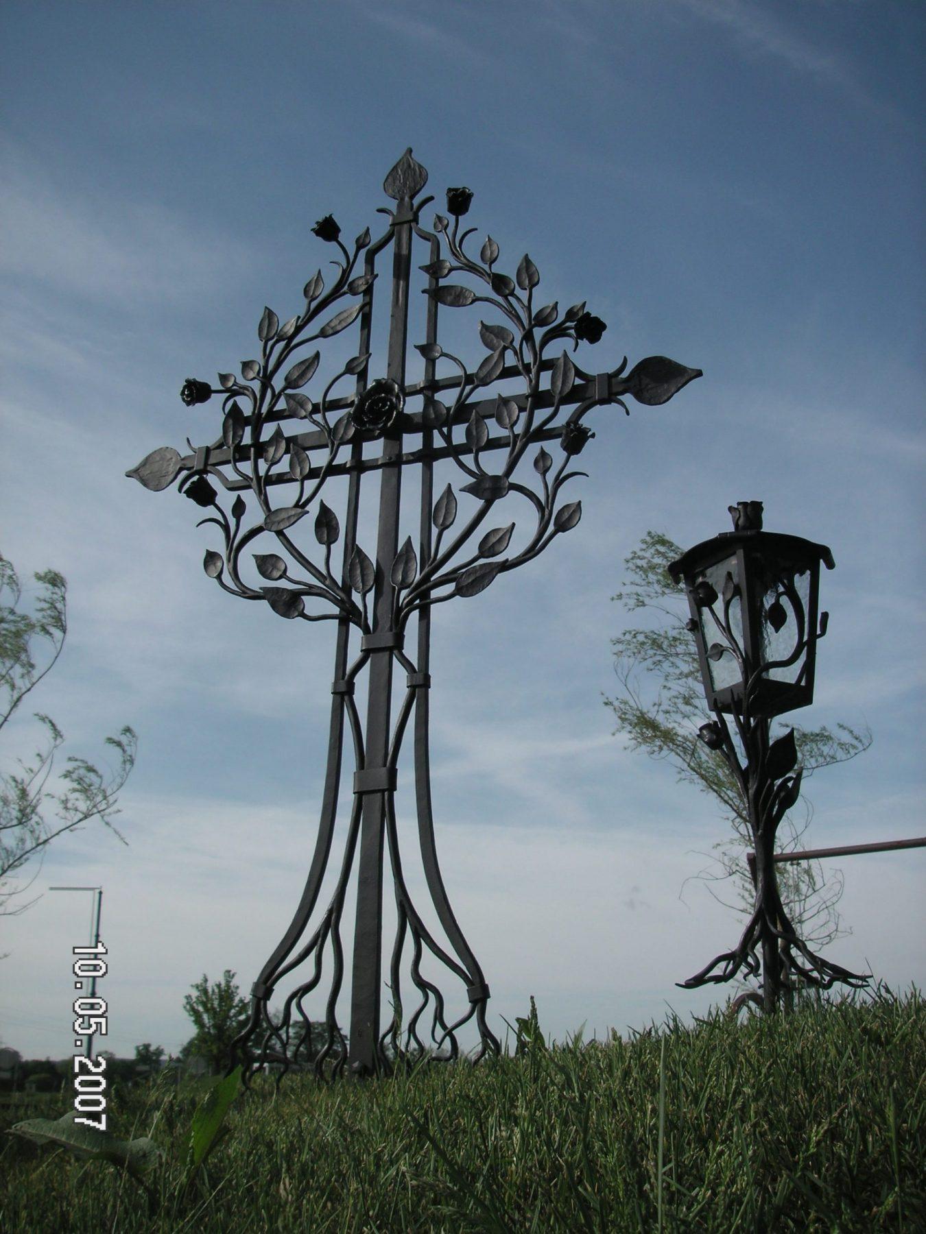 Grabkreuz-Lebensbaum-2.jp